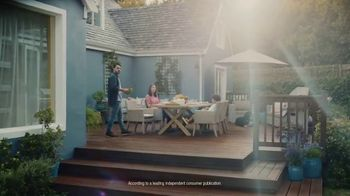 BEHR Paint TV Spot, 'The Deck' - Thumbnail 9