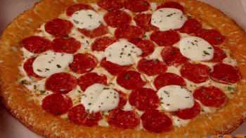 Little Caesars Pizza Pepperoni Cheeser! Cheeser! TV Spot, 'Lo que te gusta' [Spanish] - Thumbnail 3