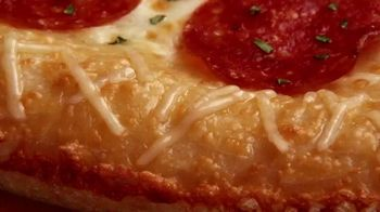 Little Caesars Pizza Pepperoni Cheeser! Cheeser! TV Spot, 'Lo que te gusta' [Spanish] - Thumbnail 5