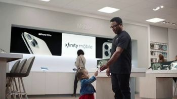 XFINITY Mobile TV Spot, 'First Words: $200 Off' Song by Screamin' Jay Hawkins - Thumbnail 4