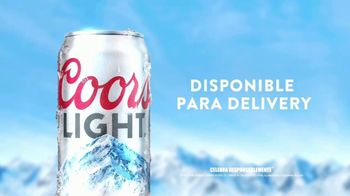 Coors Light TV Spot, 'Mountain Opener Delivery' Berry Lipman Singers [Spanish] - Thumbnail 5