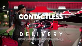 Pizza Hut Big Dinner Box TV Spot, 'Safety Sticker' - Thumbnail 7