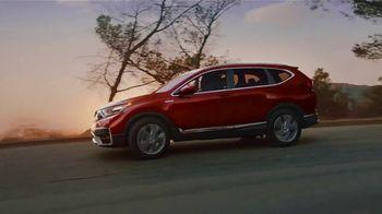 Honda CR-V Hybrid TV Spot, 'De la ciudad a las montañas' canción de Carlos Sadness, Bomba Estéreo [Spanish] [T1] - Thumbnail 6