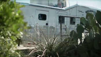 Bloomer Trailers TV Spot, 'Rocking Trailer Ride' - Thumbnail 2
