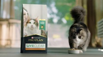 Purina Pro Plan LiveClear TV Spot, '10 Years in the Making' - Thumbnail 5