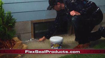 Flex Seal TV Spot, 'Indoor & Outdoor Repairs' - Thumbnail 7