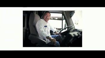 Walmart TV Spot, 'Heroes: contratando' canción de David Bowie [Spanish] - Thumbnail 2