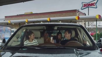 Sonic Drive-In Reese's Overload Waffle Cone TV Spot, 'Madre' [Spanish] - Thumbnail 2