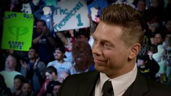 Snickers TV Spot, 'WWE: comerciales favoritos' con Charlotte Flair, Gregory Mizanin [Spanish] - Thumbnail 8