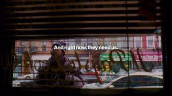 Verizon TV Spot, 'Pay It Forward LIVE: Billie Eilish and Finneas' Song by Billie Eilish - Thumbnail 2