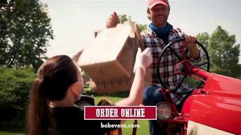 Bob Evans Restaurants Curbside Pickup TV Spot, 'Drive Up' - Thumbnail 4