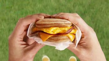 McDonald's TV Spot, 'Más que desayuno' [Spanish] - Thumbnail 5