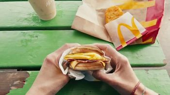 McDonald's TV Spot, 'Más que desayuno' [Spanish] - Thumbnail 6