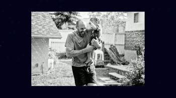 Advil TV Spot, 'Una nueva fuerza' canción de Hannah Grace [Spanish] - Thumbnail 4