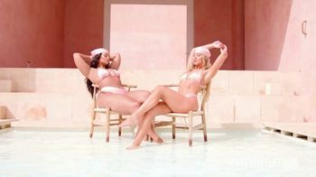 PrettyLittleThing TV Spot, 'PLT Presents: Jess Hunt' Song by Francesca - Thumbnail 10