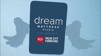 Value City Furniture Dream Mattress Studio Fourth of July Sale TV Spot, '20% Off' - Thumbnail 3