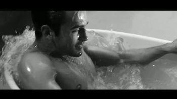 Giorgio Armani Acqua Di Giò Profondo TV Spot, 'La nueva intensidad' canción de KALEO [Spanish] - Thumbnail 5