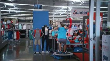 Academy Sports + Outdoors 4 Day Sale Event TV Spot, 'Dad Picks: Athletic Wear, Golf Balls & Coolers' - Thumbnail 3