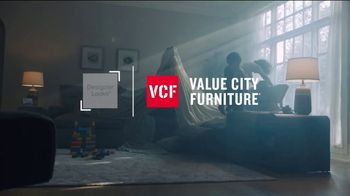 Value City Furniture Fourth of July Sale TV Spot, 'Up to $500 Off' - Thumbnail 1