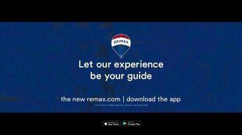 RE/MAX TV Spot, 'Plane: Guide' - Thumbnail 10