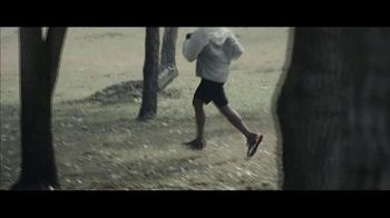 Milk-Bone TV Spot, 'Goldfish Jogging' - Thumbnail 2