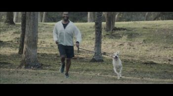 Milk-Bone TV Spot, 'Goldfish Jogging' - Thumbnail 7