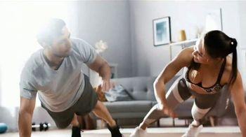 Michelob ULTRA TV Spot, 'Quédate en casa. Mantente activo: ejercicio en casa' [Spanish] - Thumbnail 6