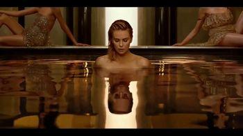 Dior J'Adore TV Spot, 'La película' con Charlize Theron, canción de Kanye West [Spanish] - Thumbnail 1