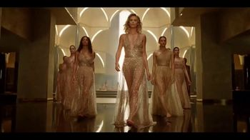 Dior J'Adore TV Spot, 'La película' con Charlize Theron, canción de Kanye West [Spanish]