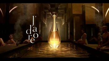 Dior J'Adore TV Spot, 'La película' con Charlize Theron, canción de Kanye West [Spanish] - Thumbnail 8