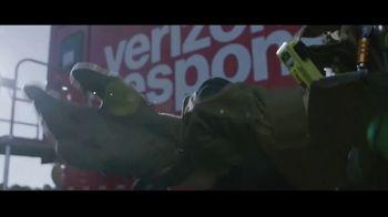 Verizon TV Spot, 'Stand Up' - Thumbnail 3
