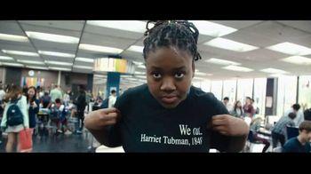 Netflix TV Spot, 'Becoming' Song by Alicia Keys - Thumbnail 7