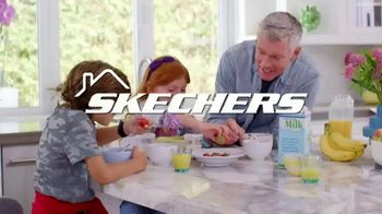 SKECHERS Stay Happy at Home Sale TV Spot, 'Mantente activo' [Spanish] - Thumbnail 1