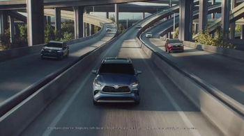 2020 Toyota Highlander TV Spot, 'Home Team' Featuring James Robinson [T1] - Thumbnail 1