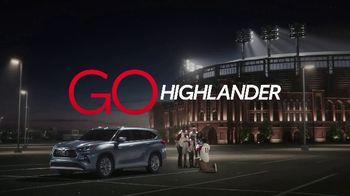 2020 Toyota Highlander TV Spot, 'Home Team' Featuring James Robinson [T1] - Thumbnail 9