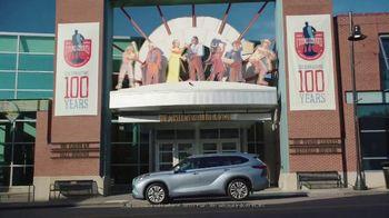 2020 Toyota Highlander TV Spot, 'Home Team' Featuring James Robinson [T1] - Thumbnail 5