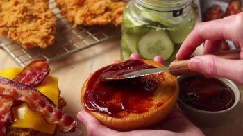Popeyes BBQ Bacon Cheddar Chicken Sandwich TV Spot, 'Better' - Thumbnail 6