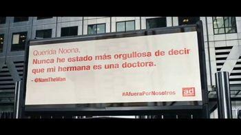 Ad Council TV Spot, 'Afuera por nosotros: Thanking Essential Workers' canción de Alicia Keys [Spanish] - Thumbnail 9