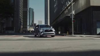 Toyota Highlander TV Spot, 'Allies' [T1] - Thumbnail 4