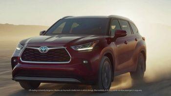 2020 Toyota Highlander Hybrid TV Spot, 'Rocket' Song by Woodkid [T1]