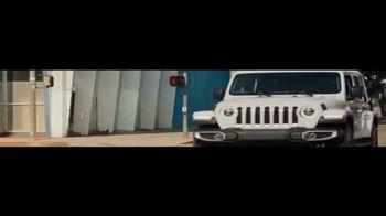 Jeep Cuatro de Julio Evento de Ventas TV Spot, 'Visión general' canción de Little Jesus [Spanish] [T2] - Thumbnail 4