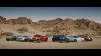 Jeep Cuatro de Julio Evento de Ventas TV Spot, 'Visión general' canción de Little Jesus [Spanish] [T2] - Thumbnail 7