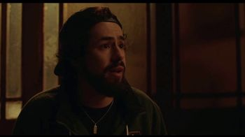Hulu TV Spot, 'Ramy' Song by Khruangbin - Thumbnail 9