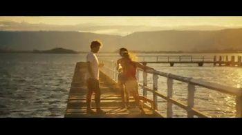 Michelob ULTRA Pure Gold TV Spot, 'Lake' - Thumbnail 5