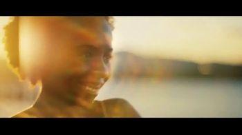 Michelob ULTRA Pure Gold TV Spot, 'Lake' - Thumbnail 7