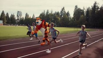 Frosted Flakes With Marshmallows TV Spot, 'Mission Tiger' - Thumbnail 3