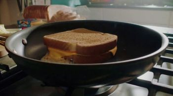 Kraft Singles TV Spot, 'Grilled Cheese Song' - Thumbnail 2