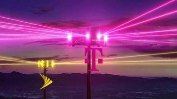 T-Mobile TV Spot, 'Una red asombrosa: 5G' canción de Niall Horan [Spanish] - Thumbnail 2