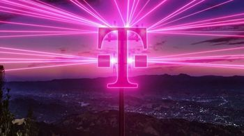 T-Mobile TV Spot, 'Una red asombrosa: 5G' canción de Niall Horan [Spanish] - Thumbnail 3