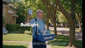 Bud Light TV Spot, 'Beer Vendor: Calling Talking' - Thumbnail 8